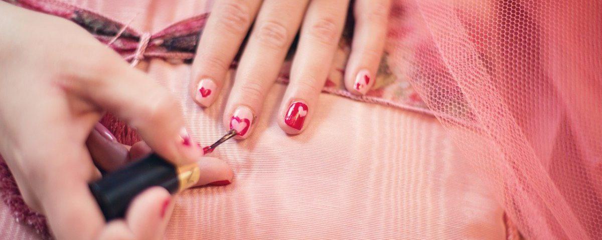Jak przyspieszyc schniecie lakieru do paznokci